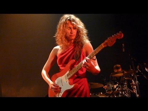 Ana Popovic - Navajo moon - Live Paris 2015