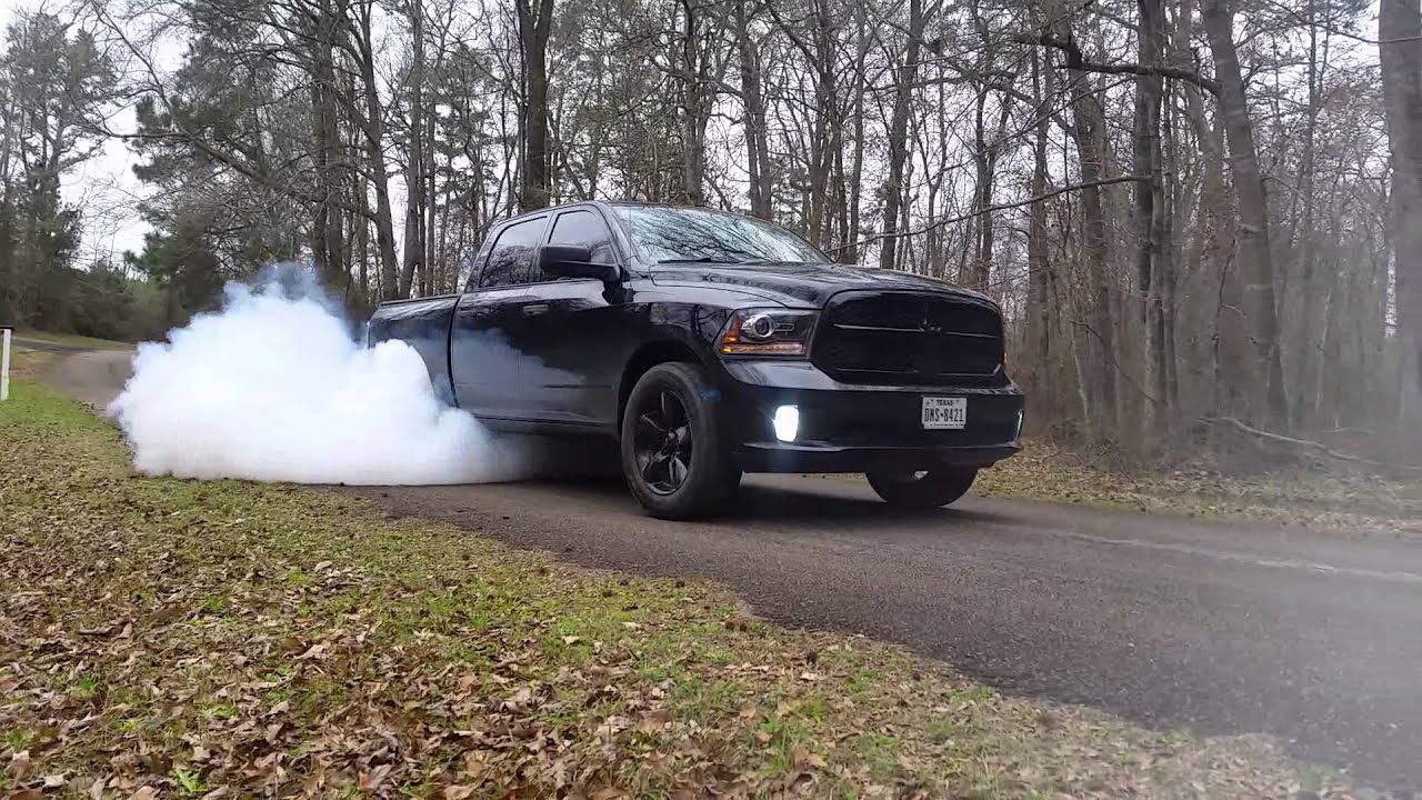 2015 Dodge Ram 1500 >> 2014 dodge ram 1500 express burnout - YouTube
