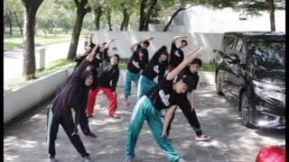 SMAN 13 Surabaya : Senam Kelas X-5