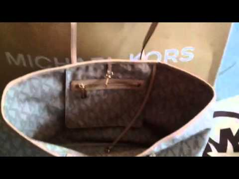 Micheal Kors Jet Set Travel Tote Vanilla - YouTube 4ffb606fe0c