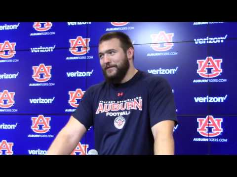 Why Auburn right tackle Robert Leff is thankful for defensive end Carl Lawson