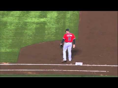 David Johnson Injures Wrist, Arm 'Hanging', Returns to Game [UPDATE]