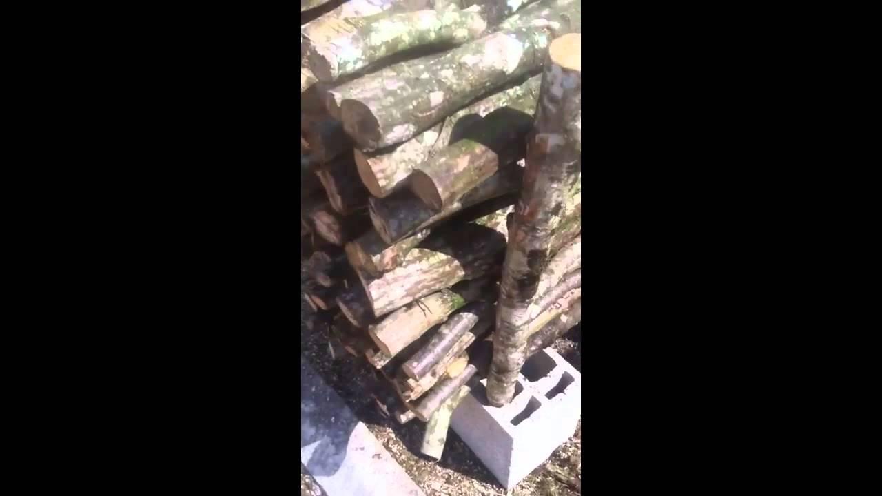 pourquoi acheter un chevalet pour couper le bois de chauffage youtube. Black Bedroom Furniture Sets. Home Design Ideas