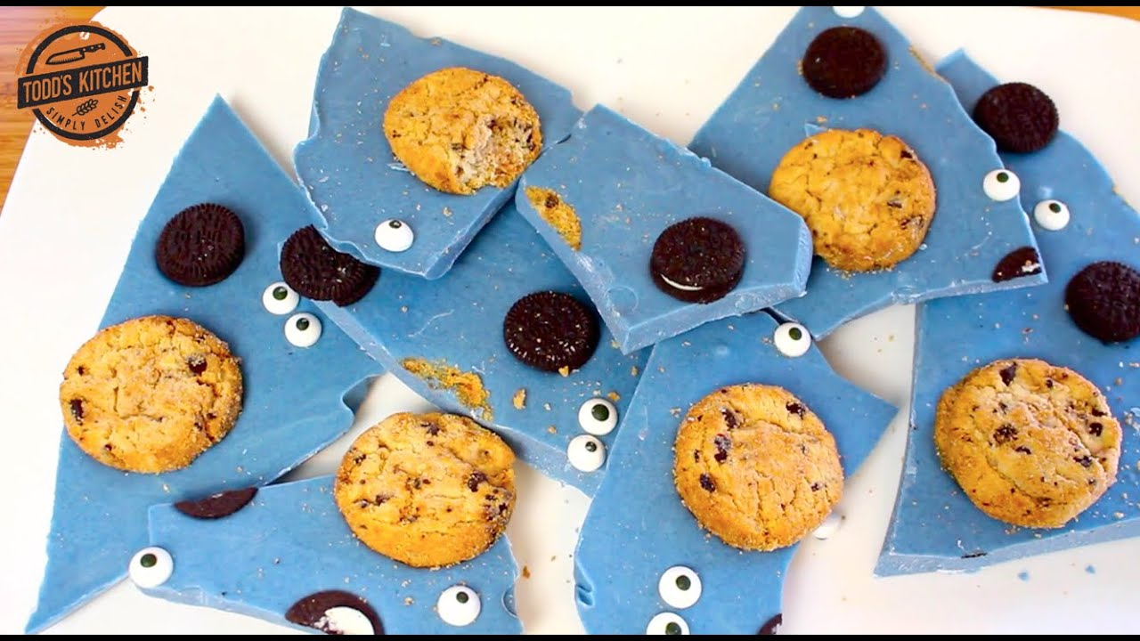 Cookie Monster Candy Bark - Easy kids chocolate dessert recipe - YouTube