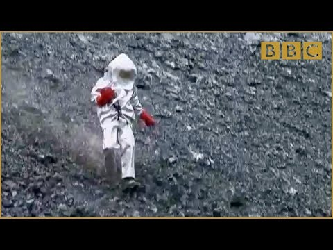 Scientist gets too close to lava lake! - Richard Hammond's Journey to the Centre of the Planet - BBC