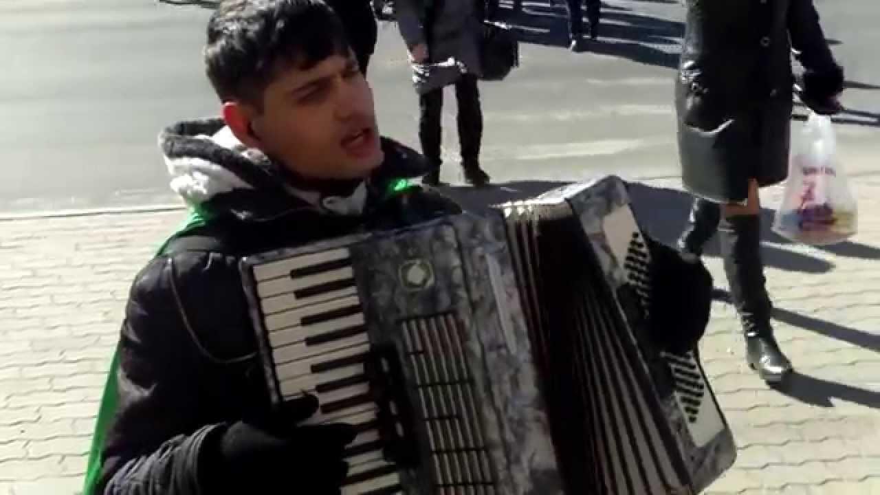 Oleg Adrian Vlad cîntă și rusește frumos