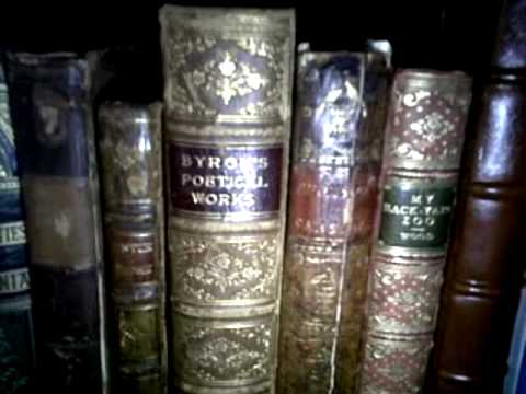 Looking at my friend Alvenh's antique books
