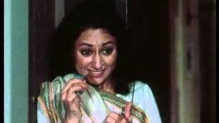Uphaar - Idhar Aao - Jaya Bhaduri & Swarup Dutt - Bollywood Romantic Scenes