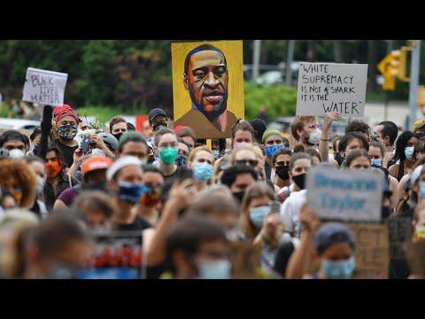 الولايات المتحدة: مظاهرات حاشدة متوقعة في نهاية الأسبوع وتصاعدالغضب إزاء انتهاكات الشرطة  - نشر قبل 2 ساعة