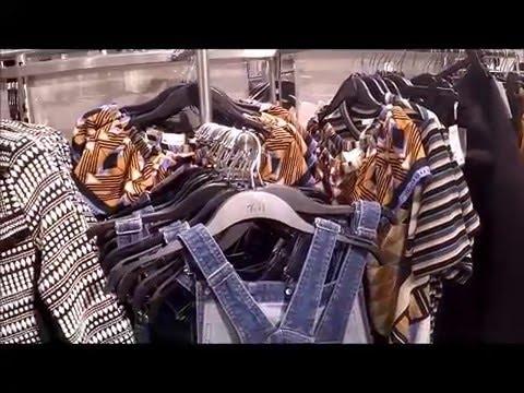 #414 США, Цены на одежду в Time Warner Center, NY.
