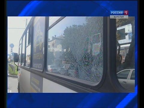 В Петрозаводске обстреляли автобус