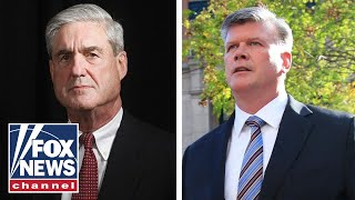 Mueller tries to squeeze Manafort as trial opens