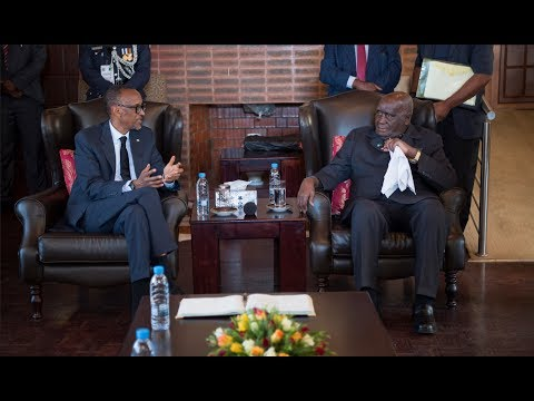 KAGAME MEETS KENNETH KAUNDA WHILE IN ZAMBIA