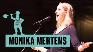 """Monika Mertens: """"Kein Schwanz ist so hart wie die Realität!"""""""