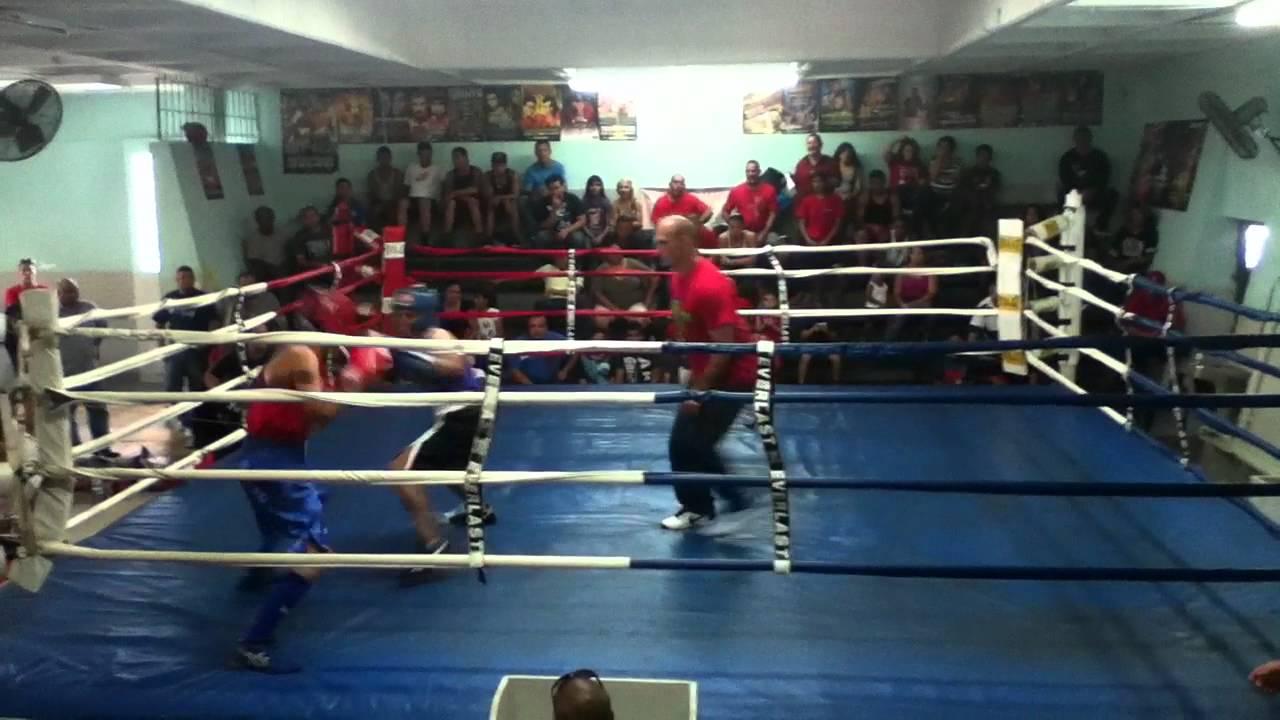 Mi segunda pelea at gimnasio de boxeo bairoa fabrica de for Gimnasio de boxeo