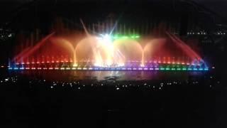 Вечернее шоу фонтанов в парке Vinpearl Нячанг Вьетнам