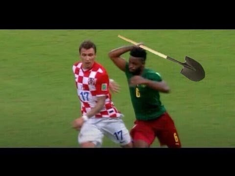 Alex Song Red Card vs Croatia