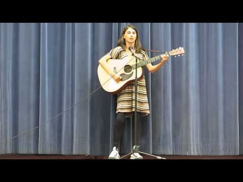 Izzy sings the Cups Song @ Grattan Talent Show
