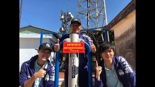 Đội trưởng Tuấn Anh cùng đồng đội tại CLB Hoàng Anh Gia Lai đi dọn rác trên đường núi