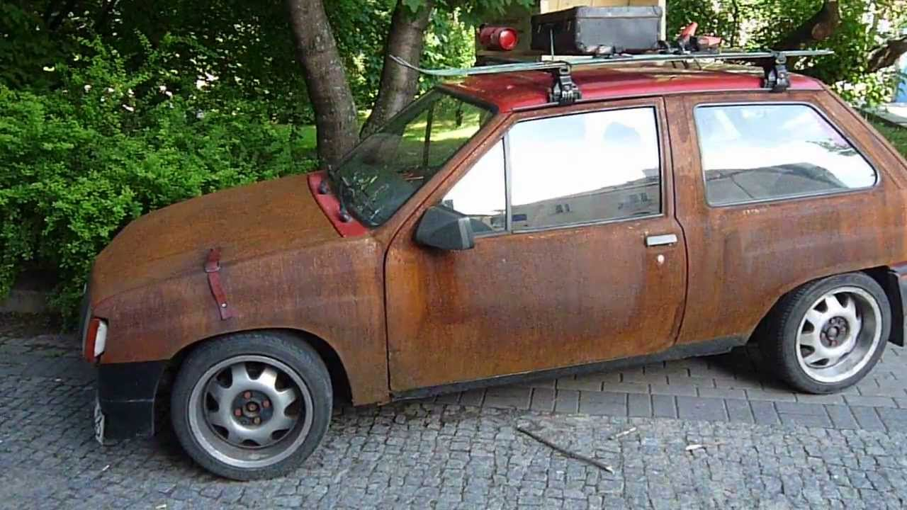 What to do with a (very) rusty old car? Accept it as it is ...