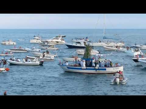Camping Jonio - Catania - Processione delle barche per la Madonna di Ognina