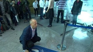 HOW TO GET A FREE RIDE ON THE MOSCOW METRO? DO SOME SQUATS - BBC NEWS