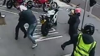 Repeat youtube video CCTV shows failed Ducati motorcycle robbery in Croydon