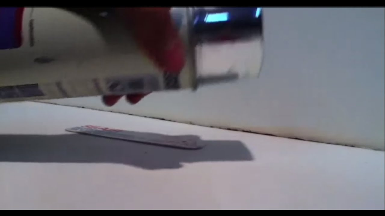 Peindre la bombe utiliser une bombe de peinture youtube for Peindre a la bombe carenage moto