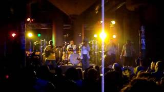 Cocoa Tea - Stand up straight @ Rotterdam 2011.MPG
