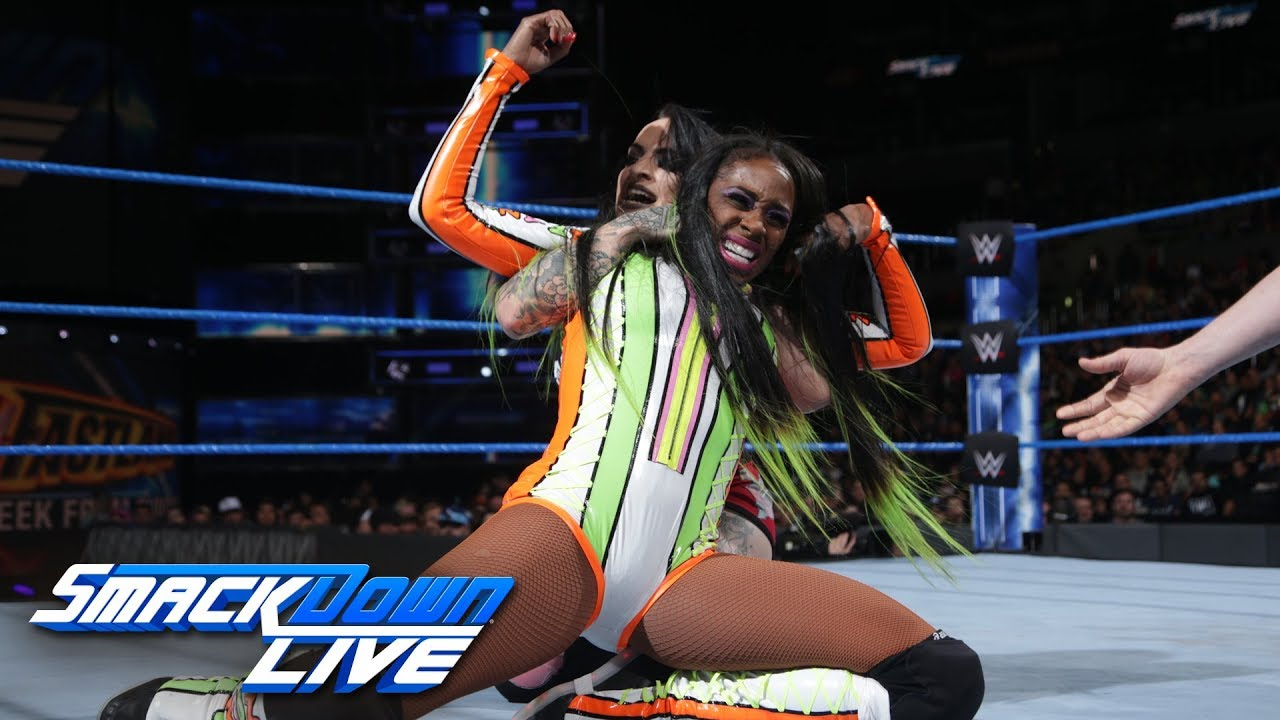 Naomi (wrestler)