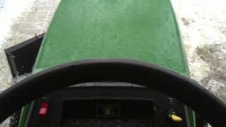 Vidéo de la tondeuse John Deere 160 avec nouveau moteur