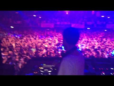 Ernesto Ferreyra playing Luciano - Rise of Angel ( Andrea Oliva remix) @ Vagabundos Bucharest 2012