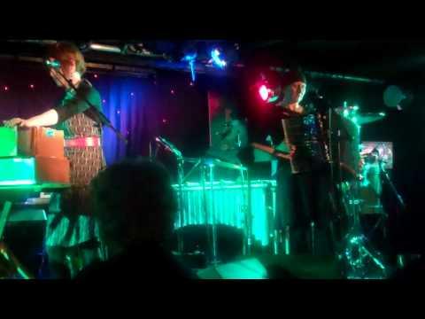 Karine Polwart, Strange News, 11/10/12