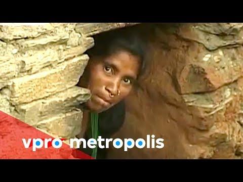 Menstruating in a chaupadi hut in Nepal - vpro Metropolis