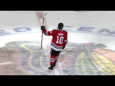 Chicago Blackhawks salute Patrick Sharp in last home game