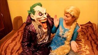 Джокер против Человека паука Полуцей для Эльзы Холодное Сердце против Харли Квинн.