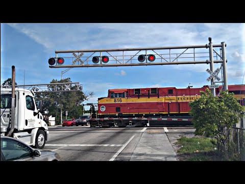 Engines of Amtrak - Bombardier Alstom HHP-8 - YouTube