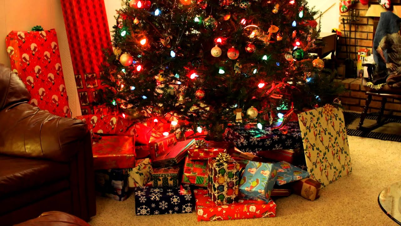 Putting gifts under the tree - time lapse - YouTube