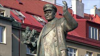 В Праге власти выступили за перенос памятника маршалу Коневу, войска которого освободили город.