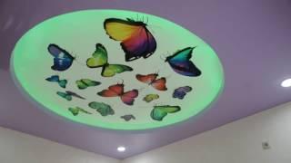видео Выбираем натяжные потолки для детской, для мальчика и девочки