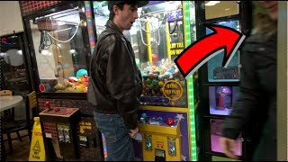this-kept-happening-when-i-was-playing-the-claw-machine