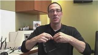 Eye Wear Maintenance  : How to Adjust the Frames for Glasses