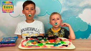 Желейные конфеты через мясорубку змеи червячки кушаем Gummy candies through mincing machine