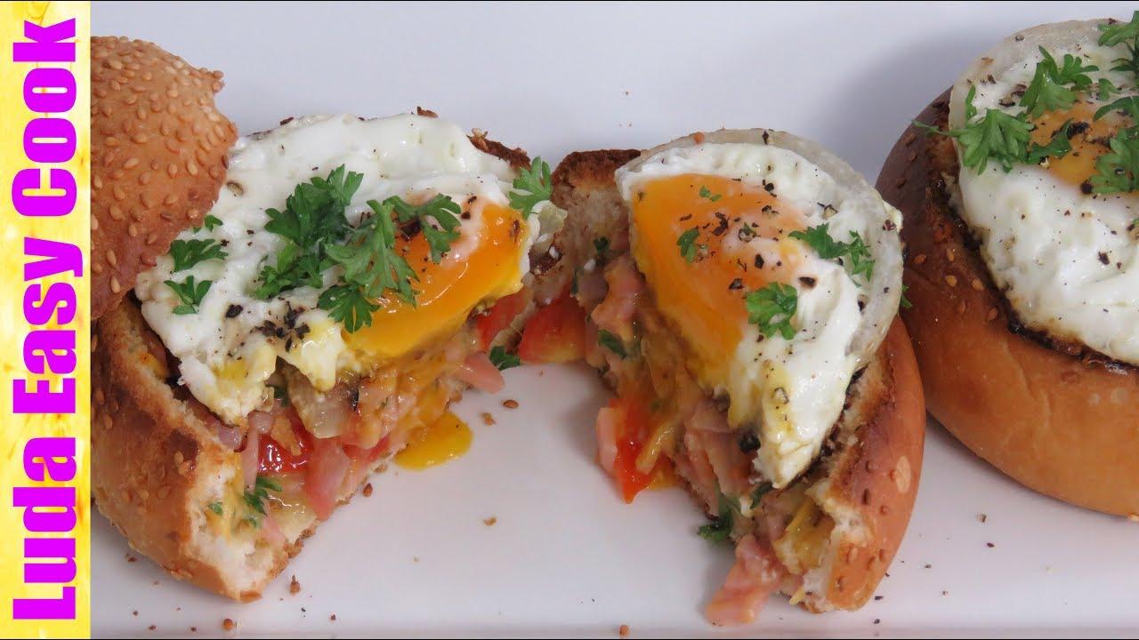яйцо в булочке в духовке с ветчиной и сыром