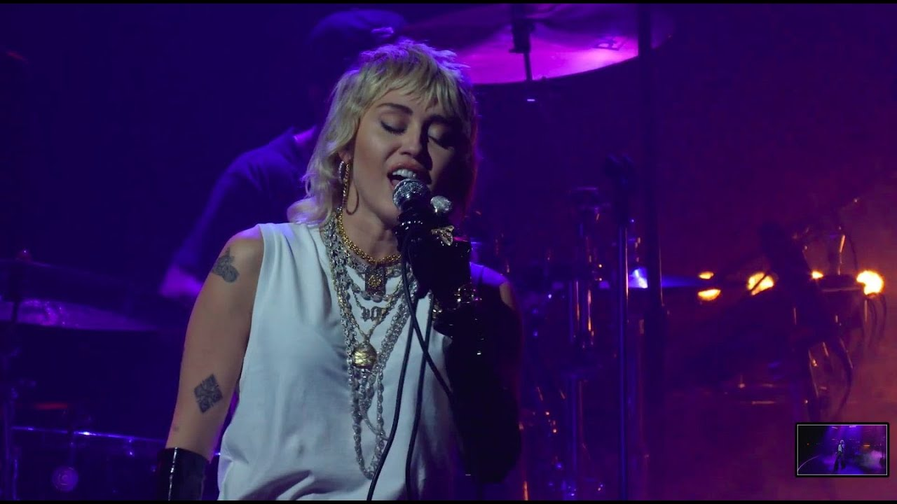 Miley Cyrus - Edge Of Midnight Live at Youtube Brandcast