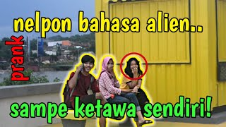 Download Video PRANK NELPON BAHASA ALIEN!! MULAI GILA!?? MP3 3GP MP4