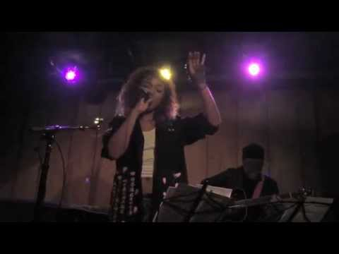 Crystal Kay - No Scrubs (TLC Cover) (Acoustic Live in New York)