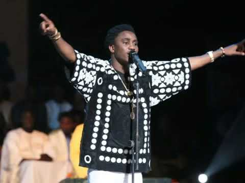Wally B  Seck   MIIRNA live vogue