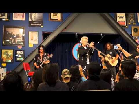 Billy Idol acoustic WHITE WEDDING  at Amoeba