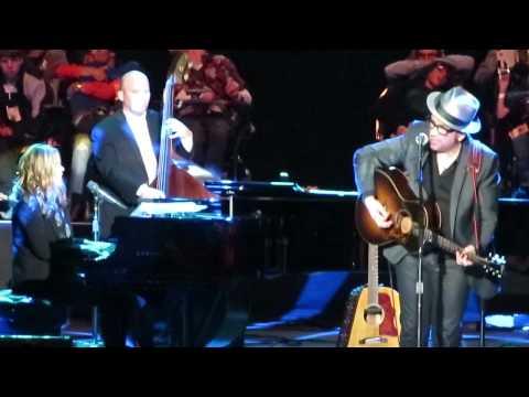 Elvis Costello & Diana Krall - Wallflower (Bob Dylan)
